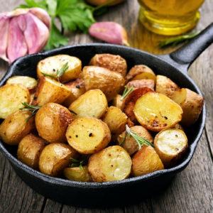 pommes de terre au feu de bois